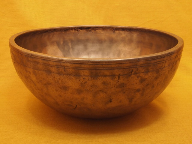 Sweet sounding Antique Jambati Singing Bowl with powerful overtones